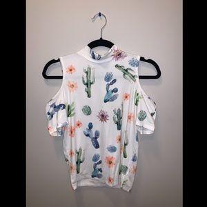Cactus print shirt shoulder